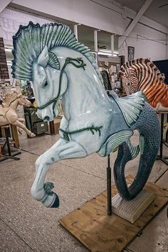 A magnificent hippocampus produced for the Albany Community Carousel in Albany, Oregon Carosel Horse, Painted Pony, Merry Go Round, All The Pretty Horses, Schmuck Design, Horse Art, Amusement Park, Mythical Creatures, Fantasy Art