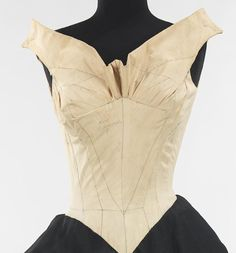 Charles James - I almost think that the muslin with the detail pencil lines in more beautiful than the finished bodice.