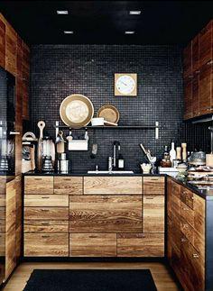 massive möbel holz schwarz wand küche