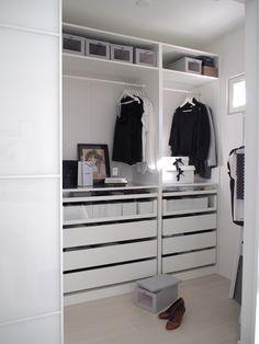 Kuistin kautta: Walk in closet Ikea Wardrobe, Ikea Closet, Closet Bedroom, Bedroom Decor, Walk In Closet Design, Wardrobe Design, Closet Designs, Walk In Closet Inspiration, Room Inspiration