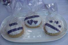 Purple and white cookies (Mor ve beyaz temalı kurabiye)