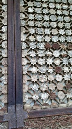 Korean Traditional, Traditional House, Asian Architecture, Korean Design, Chinese Patterns, Korean Art, Types Of Doors, Fabric Shower Curtains, Wooden Doors