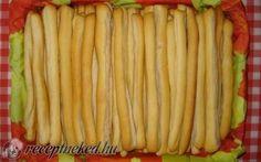 Fokhagymás kenyér rudacskák recept fotóval Croatian Recipes, Hungarian Recipes, Hungarian Food, Scones, Celery, Asparagus, Good Food, Rolls, Food And Drink