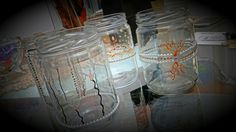 Potes decorados para várias idéias! Pode ser vasinhos com flores, pode colocar uma vela dentro para iluminar o ambiente é também pode colocar uma vela flutuante para dar um charme diferente!