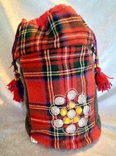 Veske med samisk inspirert dekor. Arts And Crafts, Bags, Fashion, Handbags, Moda, La Mode, Gift Crafts, Fasion, Totes