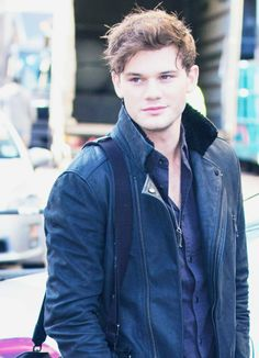 Jeremy Irvine 9th January - Angels wings necklace + 1 week till preparing for the role of Daniel Grigori in the Fallen movie