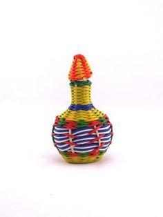 Mini bouteille scoubidou vintage années 60 multicolore