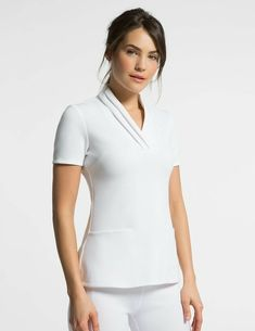 Pleated Top in White is a contemporary addition to women's medical scrub outfits. Shop Jaanuu for scrubs, lab coats and other medical apparel. Spa Uniform, Scrubs Uniform, Salon Uniform, Nursing Dress, Nursing Clothes, Dental Uniforms, Healthcare Uniforms, Nursing Uniforms, Salon Wear