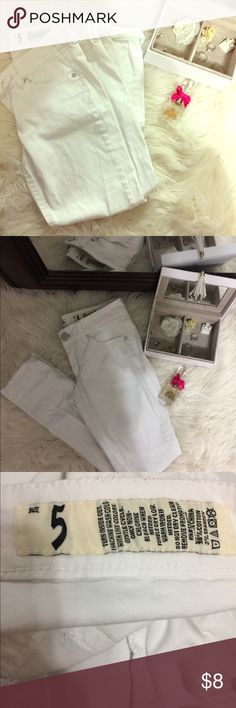 • j e a n s • 👖 These are too small for me..👖 White stretchy low rise jeans. There's a small stain in the fourth photo, barely noticeable.       Super cute with any of the tops sold in my closet! Bundle up to save more! Indigo Rein Jeans Skinny