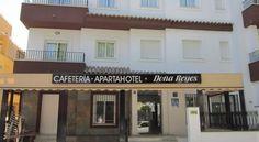 Apartahotel Doña Reyes - 2 Star #CountryHouses - $127 - #Hotels #Spain #Chipiona http://www.justigo.com/hotels/spain/chipiona/apartahotel-doa-a-reyes_6162.html