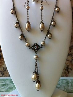 Beige Pearl Vintage Style Necklace and Earring set