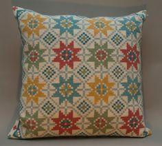 Produkten LillIs Stjärnor pastell, materialsats säljs av Svensk Hemslöjd i vår Tictail-butik.  Tictail låter dig skapa en snygg nätbutik helt gratis - tictail.com