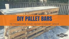 DIY Pallet Bars Pallet House, Pallet Bar, Pallet Benches, Pallet Tables, Outdoor Pallet, Pallet Sofa, Woodworking Projects For Kids, Diy Pallet Projects, Pallet Ideas
