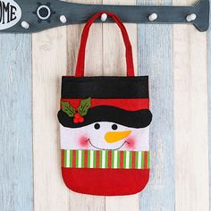 2016 Santa candy bag gifts bags Christmas plush portable hand candy gifts box Xmas ornaments Christmas decoration for home Christmas Favors, Cheap Christmas, Christmas Bags, Felt Christmas, Vintage Christmas, Christmas Stockings, Christmas Decorations, Candy Gift Box, Candy Bags