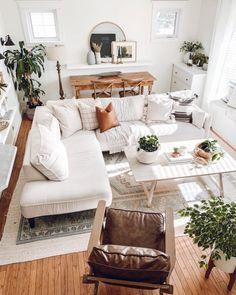 Earthy Living Room, Boho Living Room, Earth Tone Living Room Decor, Decor For Living Room, Cute Living Room, Cozy Living Rooms, Room Wall Decor, Apartment Living, Interior Design Living Room