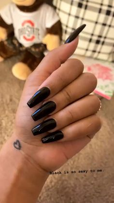 IS SO SEXY. Getting my nails done is definitely something I look forward too, every two weeks.Getting my nails done is definitely something I look forward too, every two weeks. Pretty Nail Colors, Pretty Nails, Hair And Nails, My Nails, Fall Nails, Summer Nails, Glitter Nails, Black Acrylic Nails, Black Coffin Nails