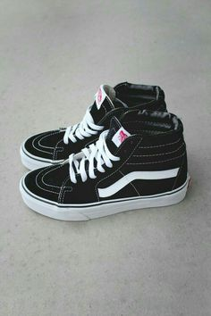 Vans these are the only shoes i wear tbh Tenis Vans, Vans Sneakers, Vans Shoes, Shoes Heels, Pumps, Converse High, Hightop Shoes, Sock Shoes, Cute Shoes
