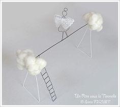 """Sculpture en fil de fer Funambule """"Mademois'Ailes"""" Un Rire sous la Tonnelle © Sonia FIQUET                                                                                                                                                      Plus"""
