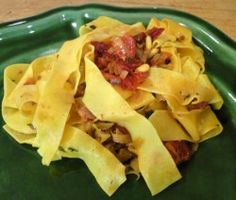 Roasted leek and sun-dried tomato sauce makes a delicious pasta sauce, or topping for bruschetta, grilled chicken, steak or even risotto.