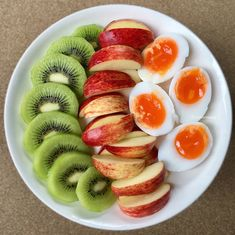 7 foods you cannot eat on a keto diet to stay in ketosis and keep producing ketones. Healthy Diet Tips, Healthy Snacks, Healthy Eating, Clean Recipes, Diet Recipes, Healthy Recipes, Easy Healthy Breakfast, Aesthetic Food, Clean Eating