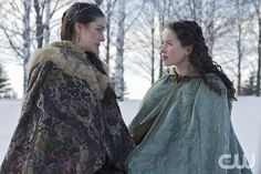 "Reign -- ""Tempting Fate"" -- Image Number: RE217a_0193.jpg -- Pictured (L-R): Adelaide Kane as Mary, Queen of Scotland and France and Anna Popplewell as Lola -- Photo: Sven Frenzel/The CW -- © 2015 The CW Network, LLC. All rights reserved."