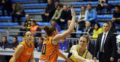 Fenerbahçe İtalyan ekibi devirdi FIBA Kadınlar Euroleague A Grubu 8. hafta maçında Fenerbahçe, sahasında İtalya'nın Famila Schio ekibini mağlup etti. http://feedproxy.google.com/~r/dosyahaber/~3/Jp8myxC0SJM/fenerbahce-italyan-ekibi-devirdi-h11462.html