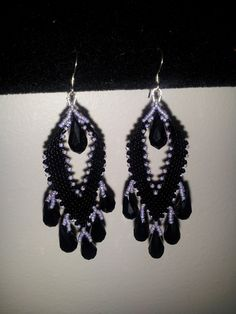Learn how to make these handmade beautiful Earrings step by step. Handmade jewelry by Mariel. Diagonal Peyote Stitch. PDF Pattern...https://www.etsy.com/your...