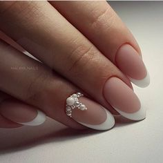Wedding Nails-A Guide To The Perfect Manicure – NaiLovely Diy Nail Designs, Acrylic Nail Designs, Bride Nails, Wedding Nails, French Nails, Diy Nails, Cute Nails, Classic Nails, Trendy Nail Art