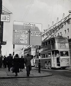 London - traffic direction sign, 1954
