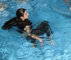 Princess Haya, Jordan Royal Family, Salama, Red Roses, Dubai, Swimming, Celebrities, Amazing, Summer