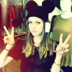 Image via We Heart It #blonde #girl #peace #nicolapeltz #instagram