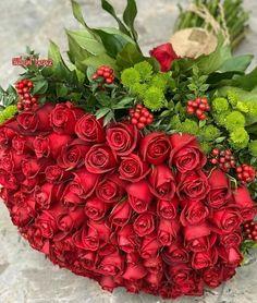 Beautiful Flowers Garden, Beautiful Flower Arrangements, Romantic Flowers, Beautiful Roses, Good Morning Images Flowers, Morning Flowers, Flower Box Gift, Flower Boxes, Happy Birthday Flower