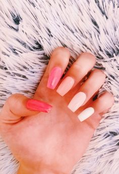 Want some ideas for wedding nail polish designs? This article is a collection of our favorite nail polish designs for your special day. Read for inspiration Simple Acrylic Nails, Summer Acrylic Nails, Best Acrylic Nails, Simple Nails, Colorful Nails, Pastel Nails, Blush Nails, Acrylic Nails With Design, Aycrlic Nails