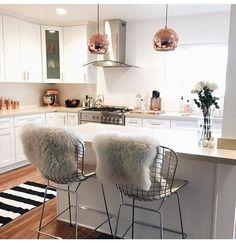 Tendência de metais na decoração. O cobre e o dourado são os queridinhos do momento! Aqui um exemplo de como usá-lo na cozinha!