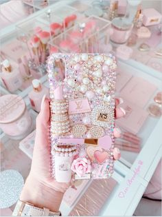 Pretty In Pink, Pretty Pink Princess, Girly Phone Cases, Diy Phone Case, Iphone Cases, Estilo Coco Chanel, Makeup Room Decor, Makeup Vanity Decor, Accessoires Iphone