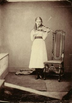 40 Eerie Portrait Photographs of Children Taken by Lewis Carroll in the Century ~ vintage everyday