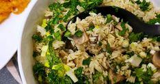Az egyik legfinomabb rizses köretbe gomba és hagyma kerül, a fűszerezésénél az őrölt fekete borssal érdemes bőkezűen bánni. Fried Rice, Ethnic Recipes, Food, Essen, Meals, Nasi Goreng, Yemek, Stir Fry Rice, Eten