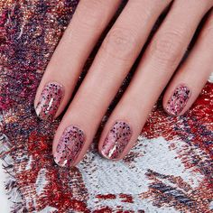 """#sundayfunday #nailart - #mixandmatch effect with @JINsoon #Fete #glitter  #topping #JINsoon #nails #manicure #nailartinabottle #JINstagram"""