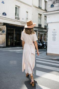 Strolling through Marais... A Vintage dress, fresh summer white and a hair ribbon …