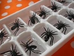Spider ice cubes diy halloween spiders halloween 2013 halloween party ideas