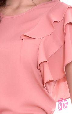 BLUSA FEMININA SOL DA TERRA 02541 - Moda Evangelica #modelagem, #modelagempassoapasso #seam #costura #sewingtips #moldes #lookdodia #couture #cucitura #?? #naht #modélisationdevêtements #couturefacile #couturedebutant #couture #seamripper #doityourself Ladies Western Tops, Blouse Patterns, Blouse Designs, Bodice Pattern, Stylish Dresses For Girls, Sewing Sleeves, Blouse And Skirt, Chiffon Shirt, Two Piece Outfit