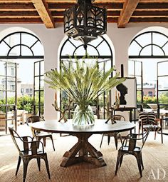 Alfredo Paredes and Brad Goldfarb show off collaborative style in Architectural Digest.