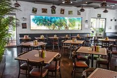 Avila Burger en La Castellana Conference Room, Table, Bar, Furniture, Home Decor, Gourmet, Environment, Floors, Restaurants