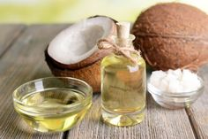 Oil pulling s anti bacterial effects for optimum oral health: How the simple but effective practice of oil pulling can improve oral health and detox your body with pure organic coconut or sesame oil Coconut Oil For Teeth, Coconut Oil For Dogs, Coconut Oil Uses, Benefits Of Coconut Oil, Oil Benefits, Health Benefits, Jugo Natural, Natural Cures, Natural Treatments