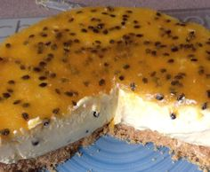 Recipe Lemon and Passionfruit Cheesecake by learn to make this recipe easily in your kitchen machine and discover other Thermomix recipes in Desserts & sweets. Yummy Treats, Sweet Treats, Passionfruit Cheesecake, Potluck Dinner, Thermomix Desserts, Sweets Recipes, Desert Recipes, Baked Goods, Lemon
