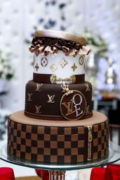 LV cake ... it's soon my birthday :-)