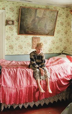 Tim Walker made beautiful photo's using a Russian Folk House. Folklore Russe, Tim Walker, Up House, Russian Folk, Decoration, Sweet Home, Room Decor, Interior Design, Style