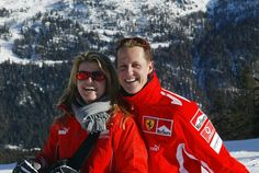German Formula 1 driver Michael Schumacher poses with his wife Corinna Schumacher at the winter resort of Madonna di Campiglio in 2005 Michael Schumacher, Corinna Schumacher, Alain Prost, Jackie Stewart, Ferrari, Maserati, Grand Prix, Le Champion, James Hunt