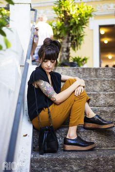 """A Escudeiro, você já conhece. A novidade fresquinha é a última coleção e a nova """"mini bag"""" que a Clara Tarran lançou com a marca."""