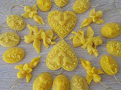 Dekorácie - Vianočné ozdoby zo 100% včelieho vosku 24ks v darčekovej krabičke - 7322397_